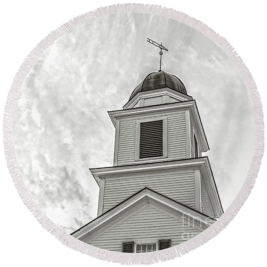 Etna Round Beach Towel featuring the photograph Classic New England Church Etna New Hampshire by Edward Fielding