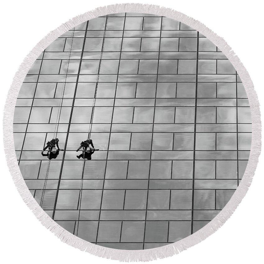 Building Round Beach Towel featuring the photograph Clean Windows #2 by Yvette Van Teeffelen
