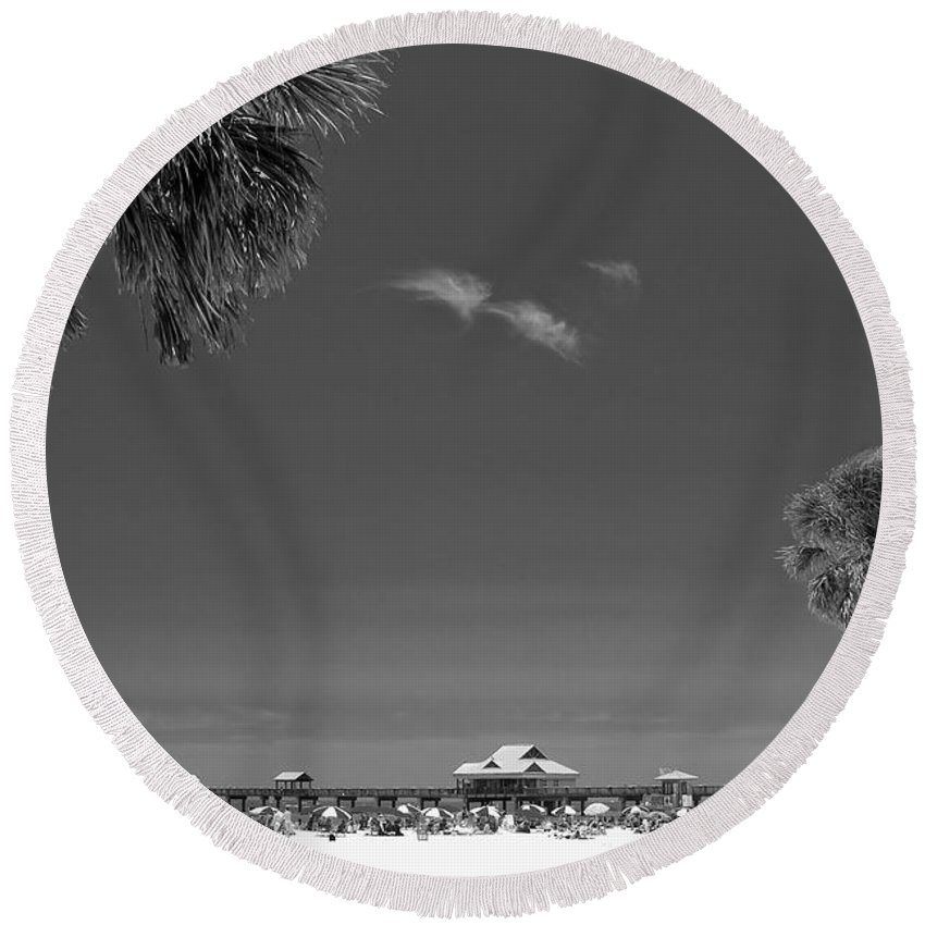 B&w Round Beach Towel featuring the photograph Clearwater Beach Bw by Adam Romanowicz
