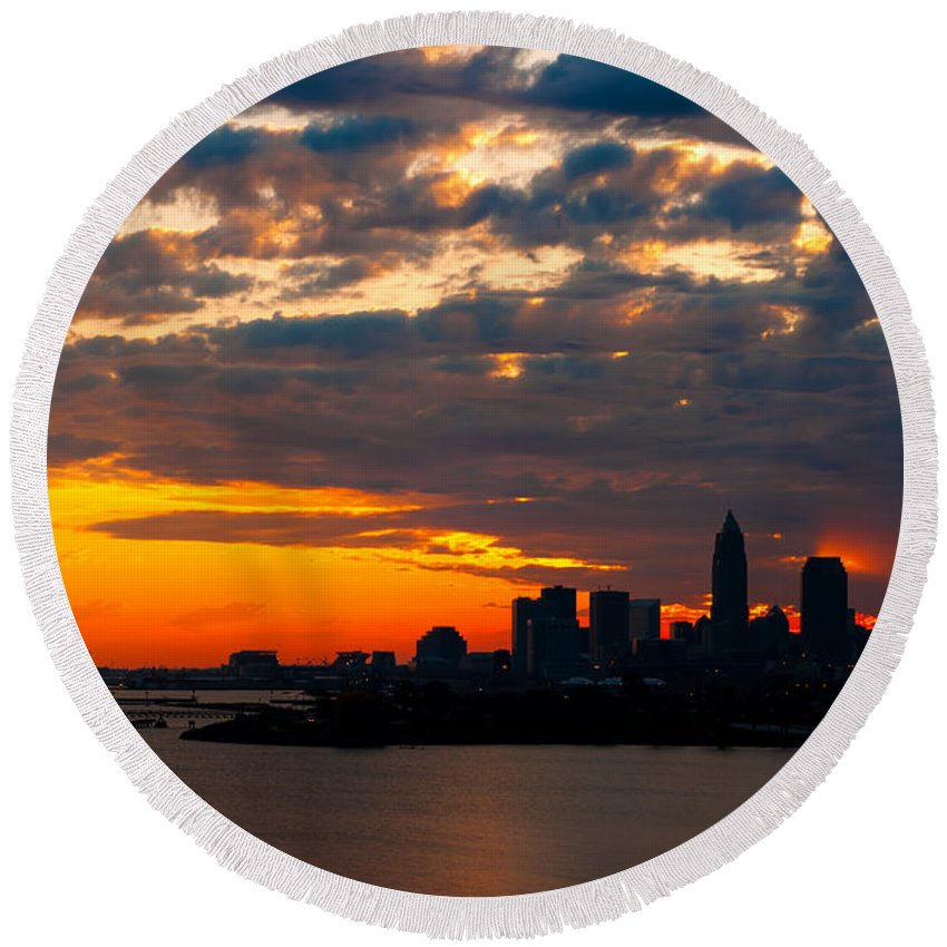 America Round Beach Towel featuring the photograph Cleveland Dawn by Kenneth Sponsler