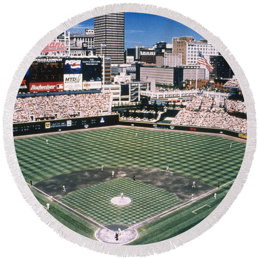 2000 Round Beach Towel featuring the photograph Cleveland: Jacobs Field by Granger