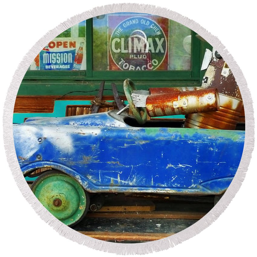 Skip Hunt Round Beach Towel featuring the photograph Climax by Skip Hunt