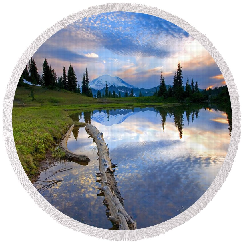 Landscape Round Beach Towel featuring the photograph Cloud Explosion by Mike Dawson