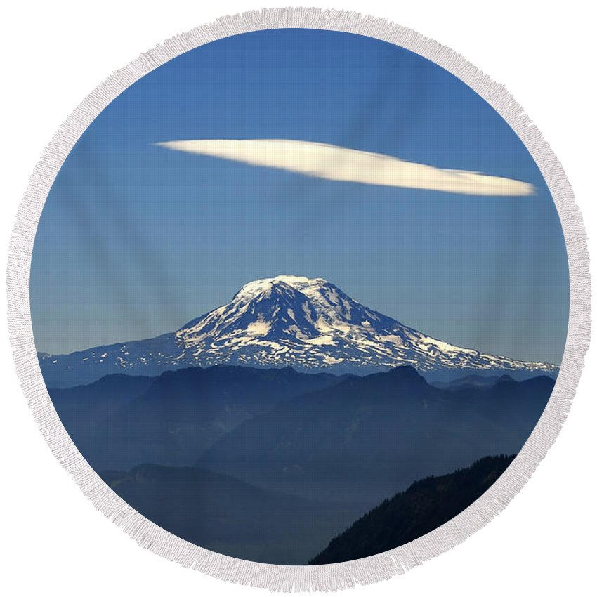 Mount Adams Round Beach Towel featuring the photograph Cloud Over Adams by David Lee Thompson