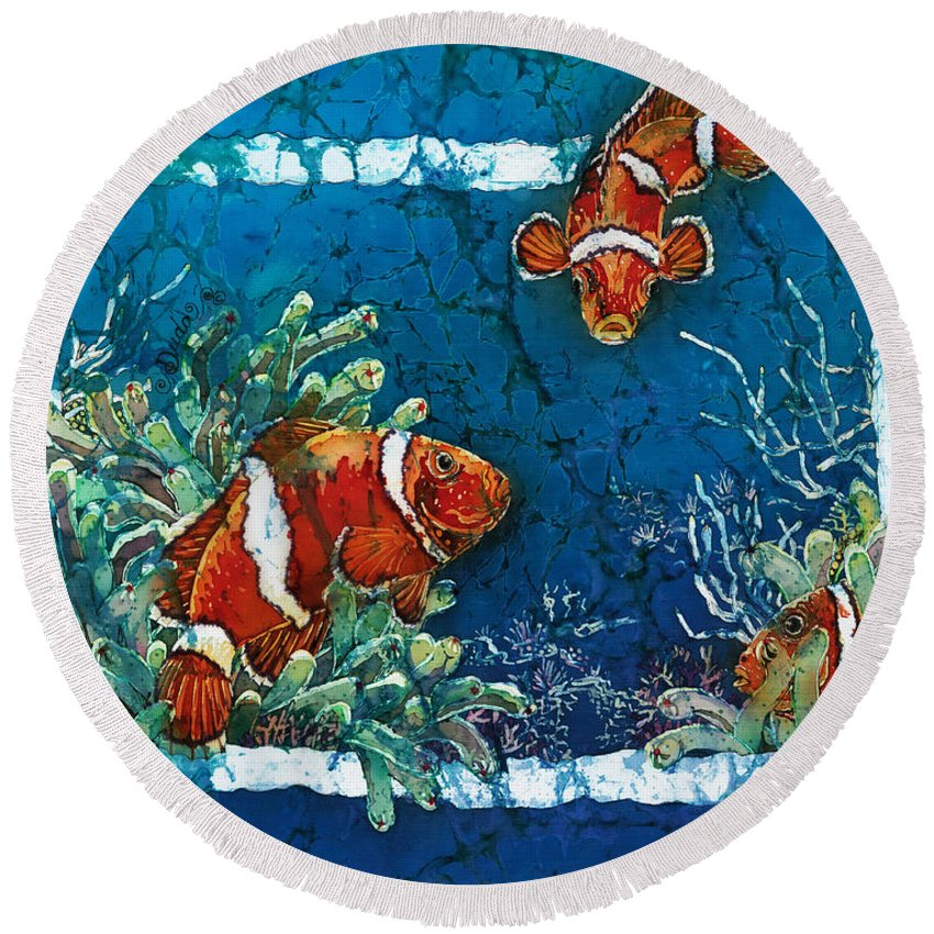 Ocean Round Beach Towel featuring the painting Clowning Around - Clownfish by Sue Duda