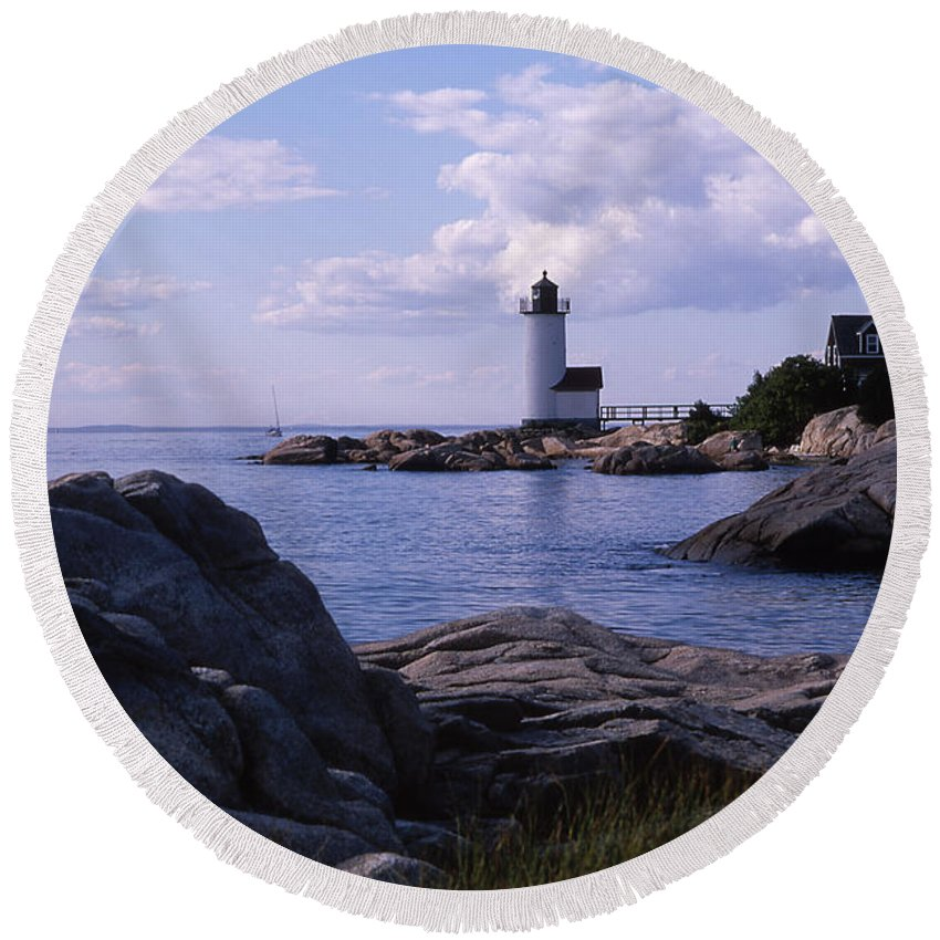 Landscape Lighthouse New England Annisquam Harbor Light Gloucester Round Beach Towel featuring the photograph Cnrf0903 by Henry Butz