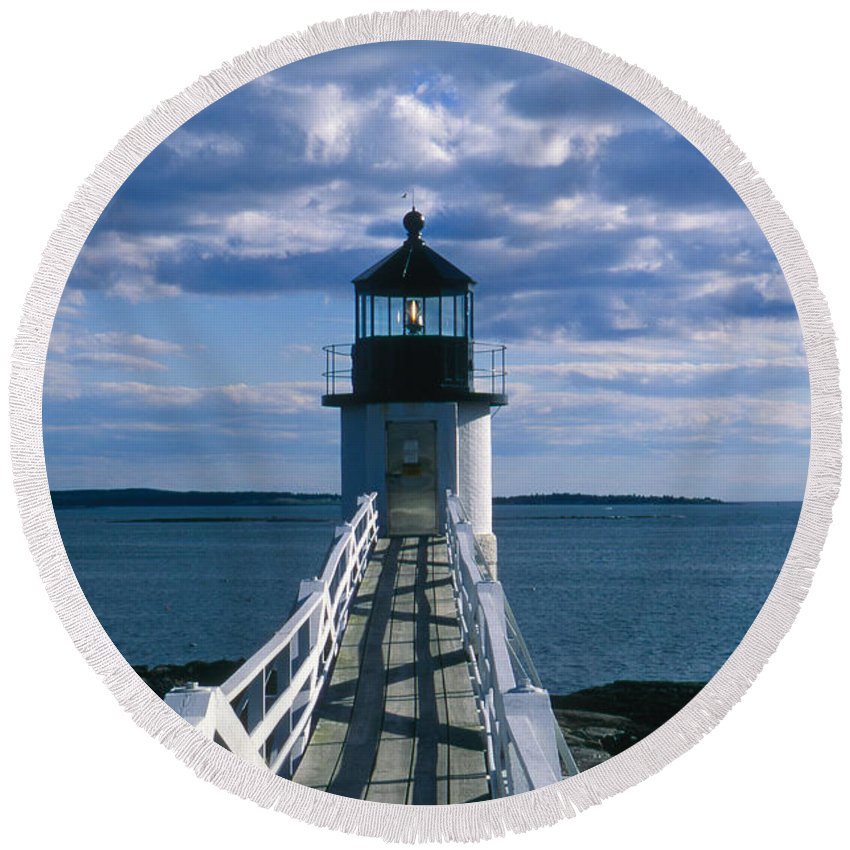 Landscape Lighthouse New England Marshall Point Light Port Clyde Round Beach Towel featuring the photograph Cnrh0603 by Henry Butz