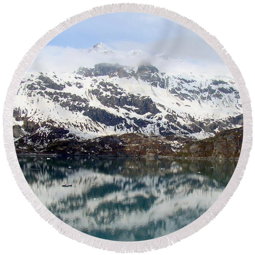 Alaska Round Beach Towel featuring the photograph Coastal Beauty Of Alaska 4 by Richard Rosenshein