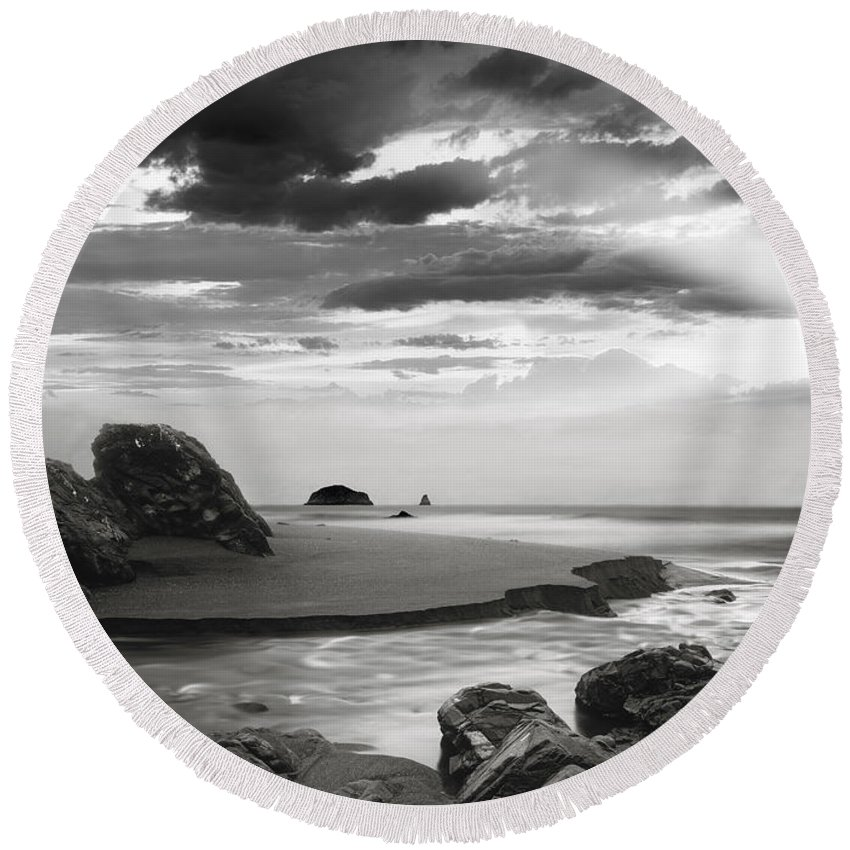 Oregon Round Beach Towel featuring the photograph Coastal Waters by Leland D Howard