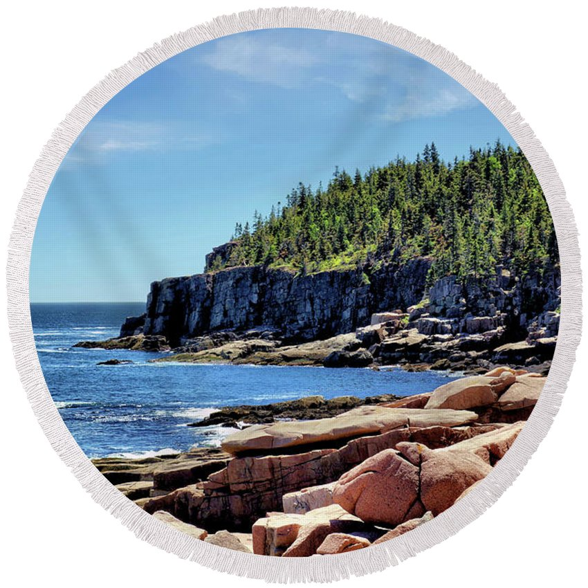 Cliff Round Beach Towel featuring the photograph Coastline And Otter Cliff 3 by John Trommer