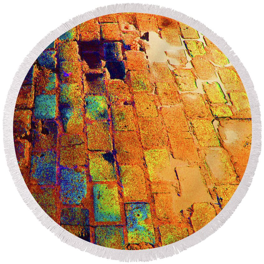 Cobble Stones Round Beach Towel featuring the photograph Cobble Stones In Color by Artie Rawls