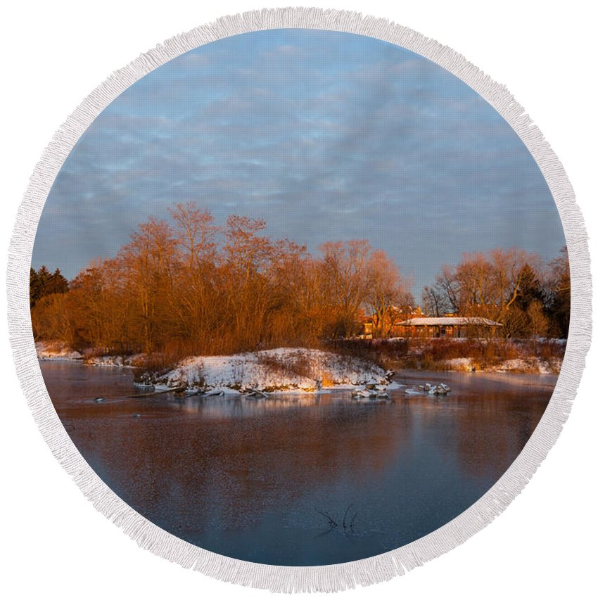 Georgia Mizuleva Round Beach Towel featuring the photograph Cold Ice Warm Light - Early Winter Morning On The Lake Shore by Georgia Mizuleva