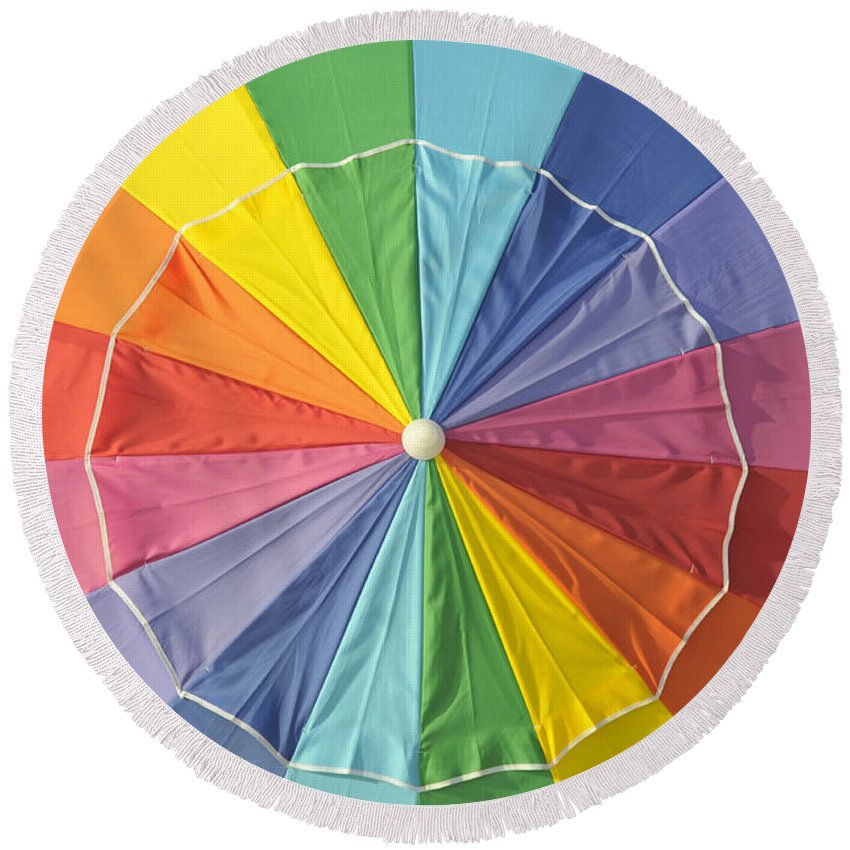 Beach Umbrella Round Beach Towel featuring the photograph Colors Of Summer by David Lee Thompson