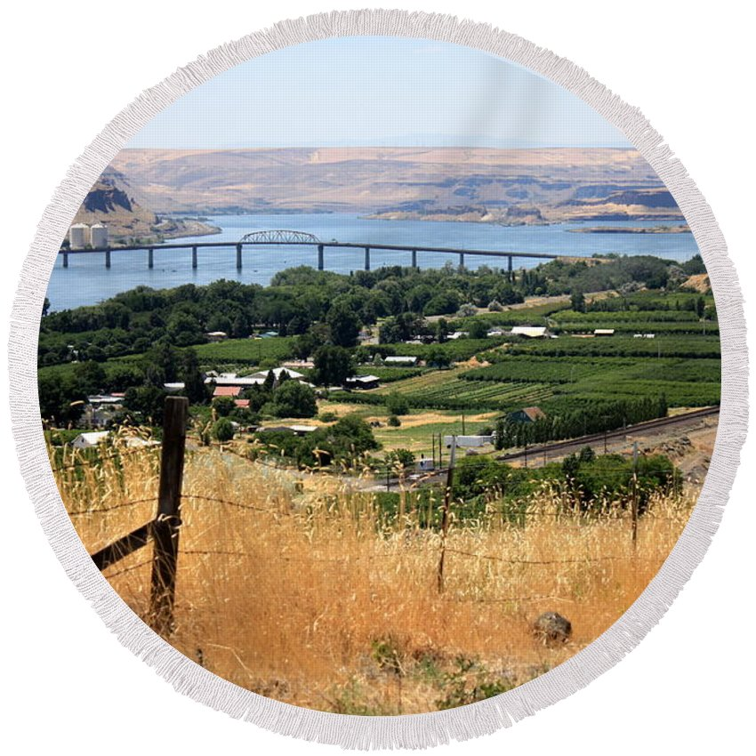 Columbia River Gorge Round Beach Towel featuring the photograph Columbia River Gorge by Carol Groenen