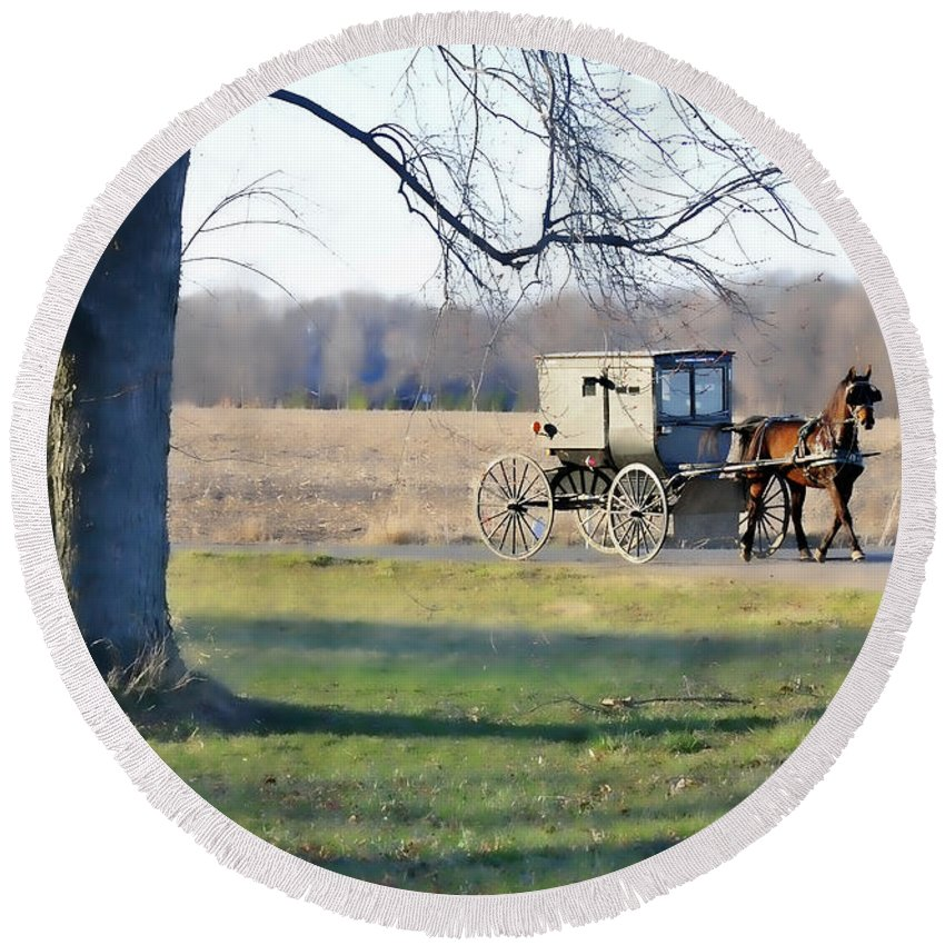Amish Round Beach Towel featuring the photograph Coming Home by David Arment