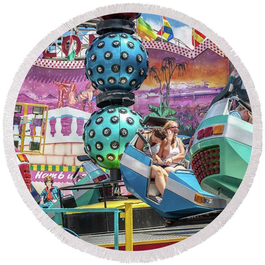 Coney Island Round Beach Towel featuring the photograph Coney Island Amusement Ride by Dawn Ferragamo