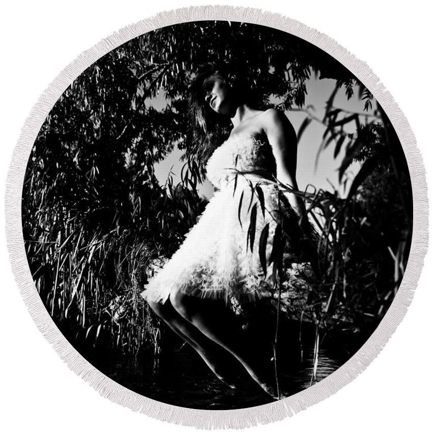 Woman Sitting On Tree Round Beach Towel featuring the photograph Cooling Off by Scott Sawyer
