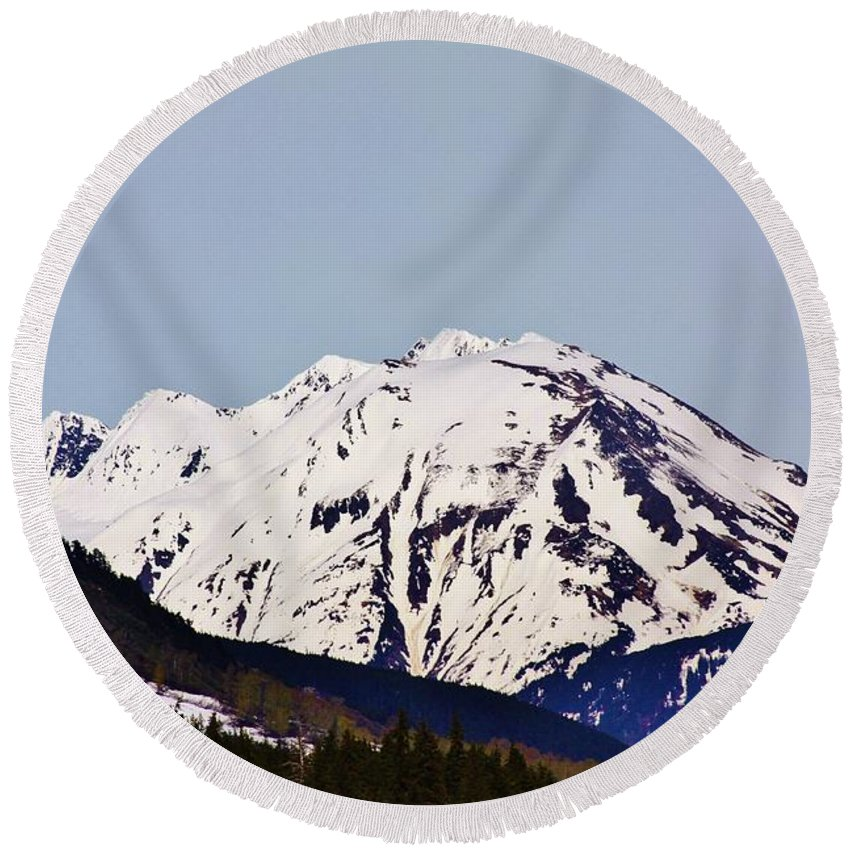 Chugach National Forest Round Beach Towel featuring the photograph Cooper Landing by Lori Mahaffey