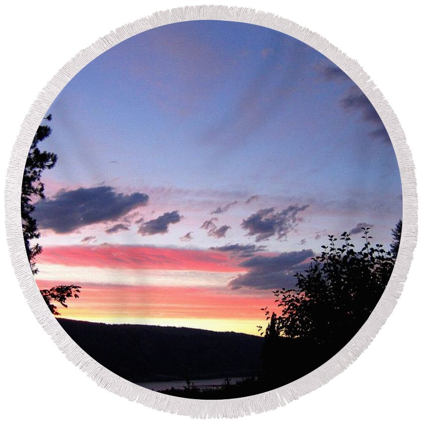 Sunset Round Beach Towel featuring the photograph Coral Sunset by Will Borden