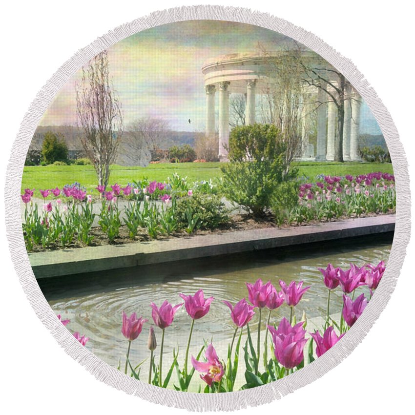Untermyer Gardens Round Beach Towel featuring the photograph Corinthian by Diana Angstadt