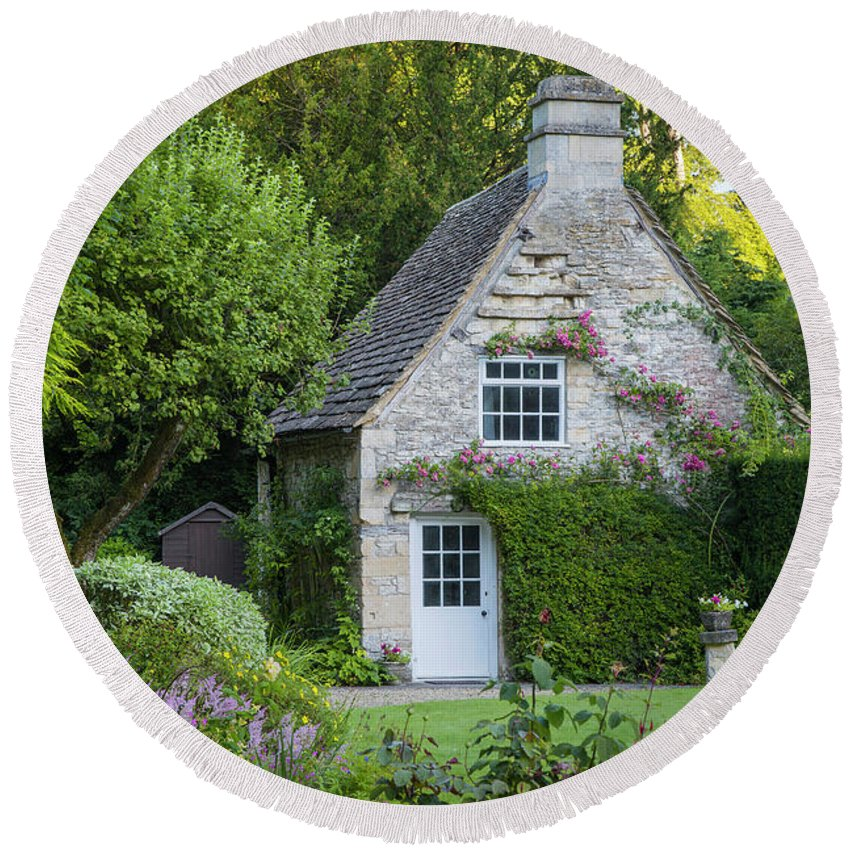 Beautiful Round Beach Towel featuring the photograph Cotswold Cottage by Brian Jannsen