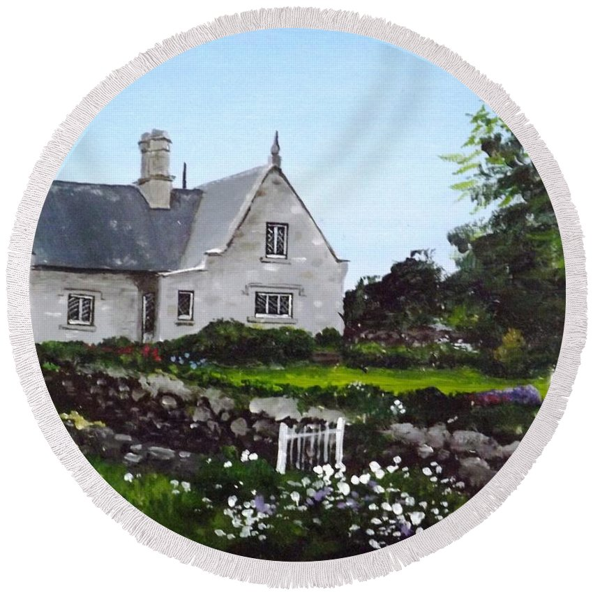 Cottage Round Beach Towel featuring the painting Cottage, Graiguenamanagh by Tony Gunning