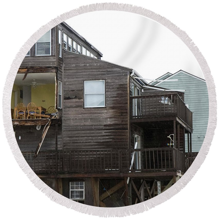 Topsail Round Beach Towel featuring the photograph Cottages Of The Past by Betsy Knapp