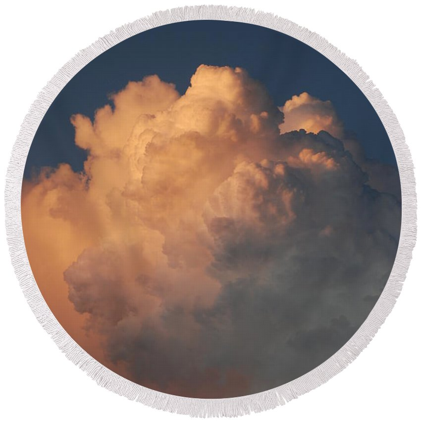 Clouds Round Beach Towel featuring the photograph Cottonballs by Rob Hans