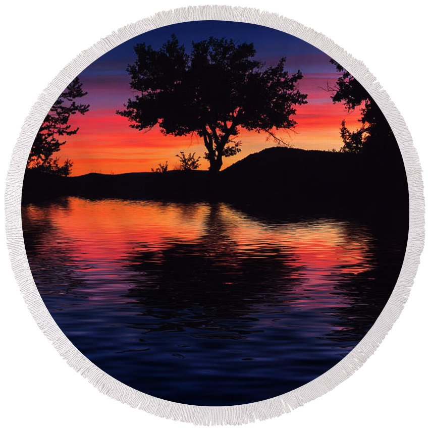 France Round Beach Towel featuring the photograph Coucher Du Soleil En Provence by Rob Lester