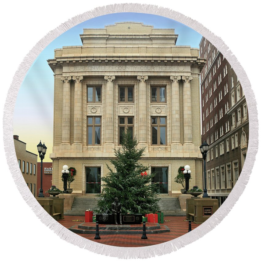 Christmas Round Beach Towel featuring the photograph Courthouse At Christmas by Greg Joens