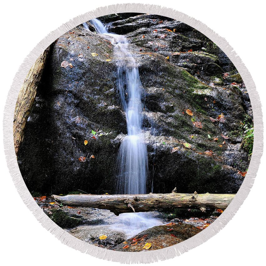 Crabtree Falls Round Beach Towel featuring the photograph Crabtree Falls In Fall by Todd Hostetter