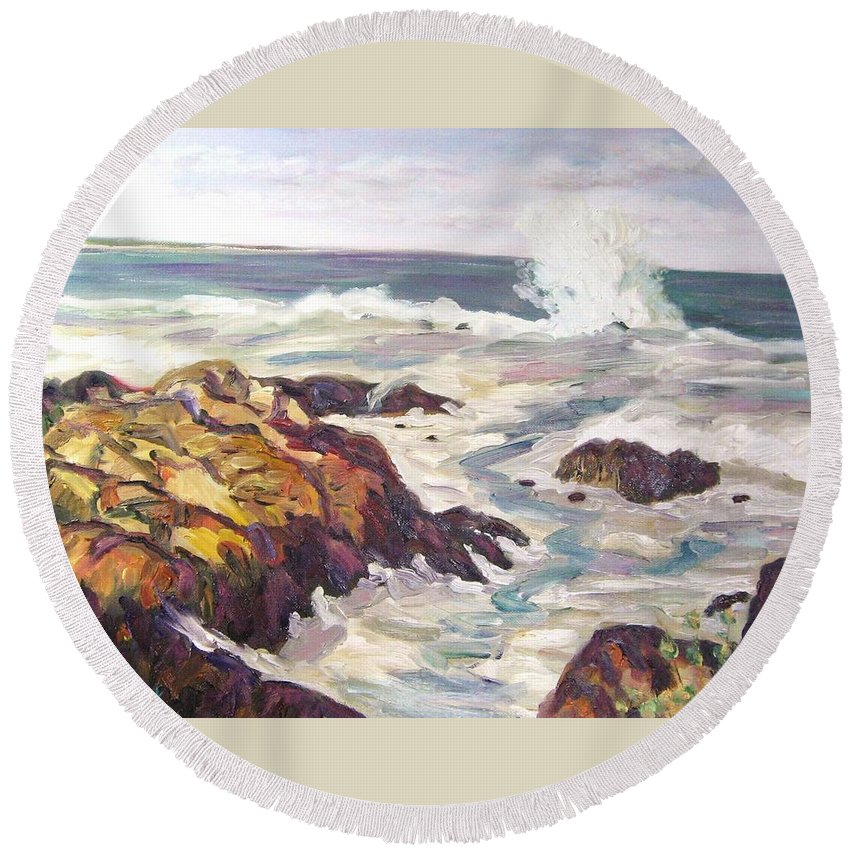 Water Round Beach Towel featuring the painting Crashing Wave On Maine Coast by Richard Nowak