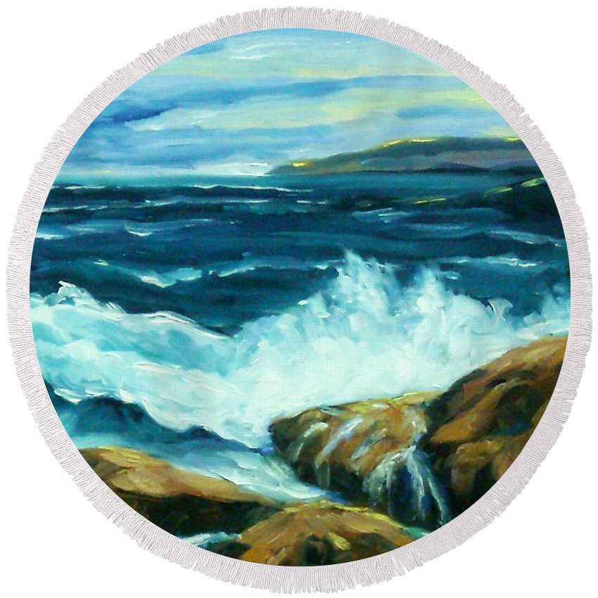 Sea Round Beach Towel featuring the painting Crashing Waves by Richard T Pranke
