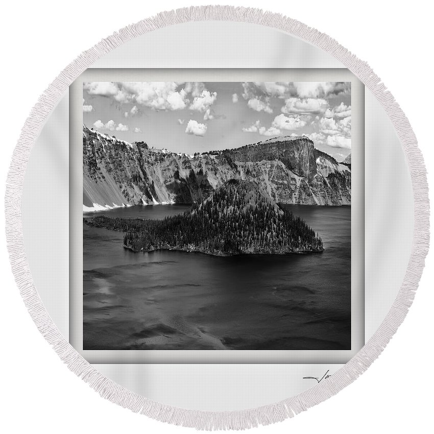 Columbia Gorge Round Beach Towel featuring the photograph Crater Lake 17 by Ingrid Smith-Johnsen