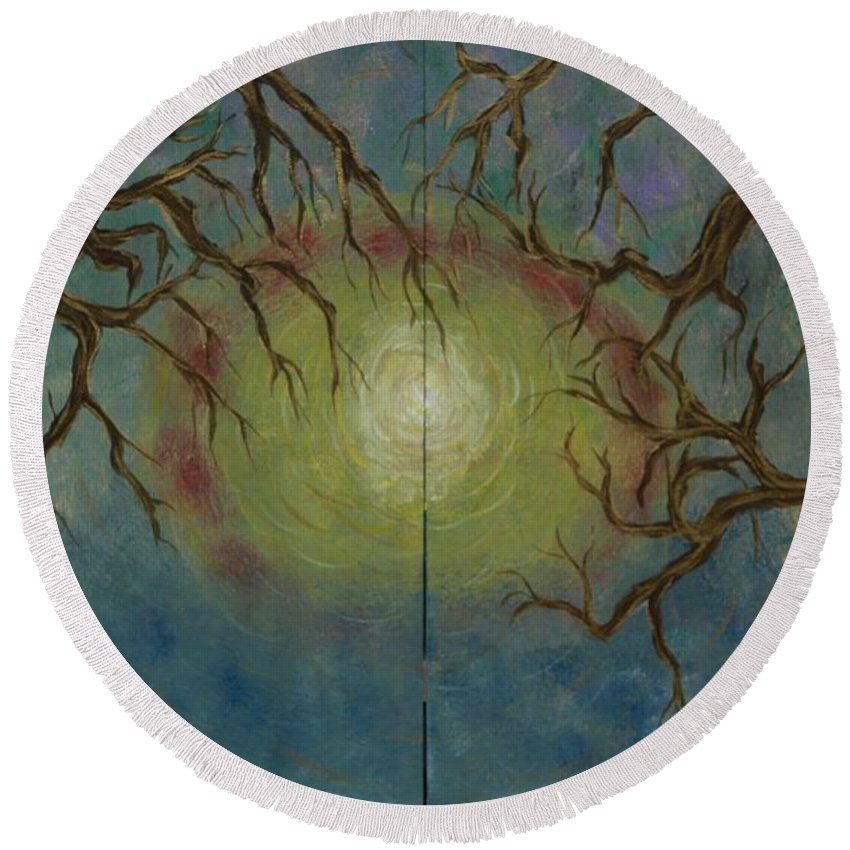 Tree Round Beach Towel featuring the painting Creeping by Jacqueline Athmann