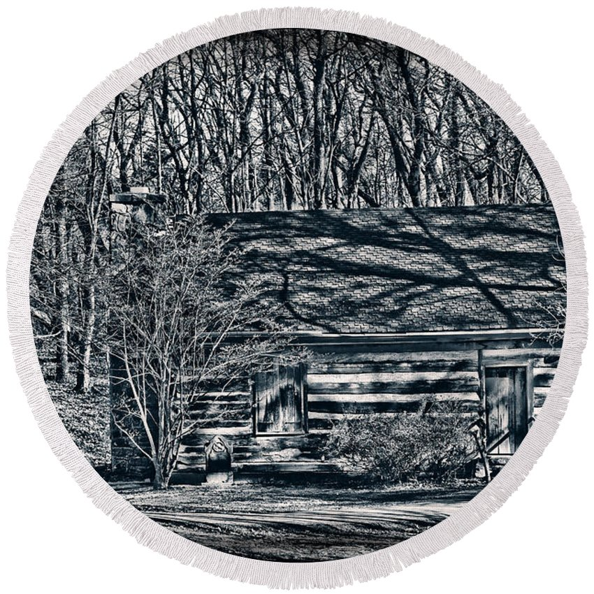 Cabin Round Beach Towel featuring the photograph Creepy Cabin In The Woods by Sharon Dominick