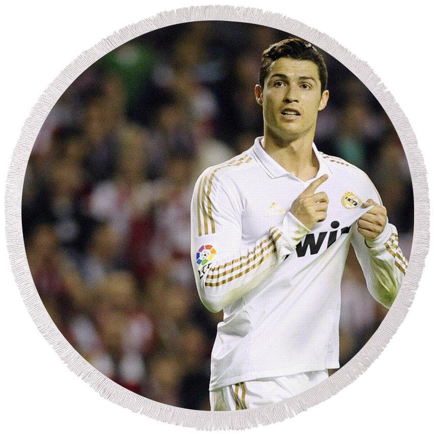 Cristiano Ronaldo Round Beach Towel featuring the photograph Cristiano Ronaldo 4 by Rafa Rivas