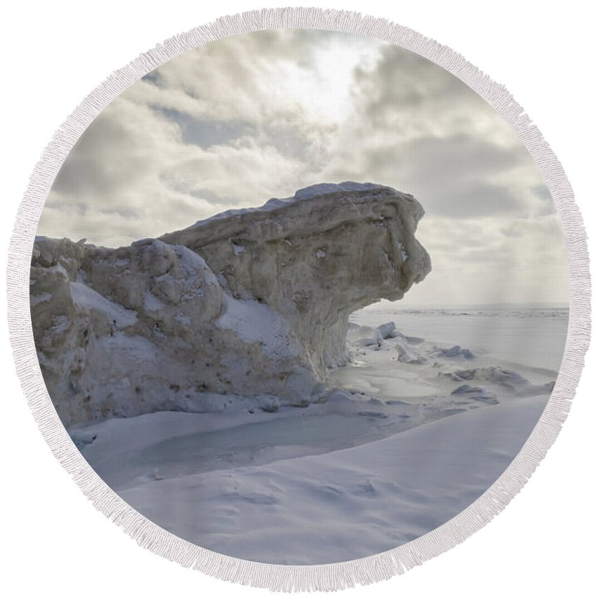 Ice Round Beach Towel featuring the photograph Crouching Tiger by Steve L'Italien