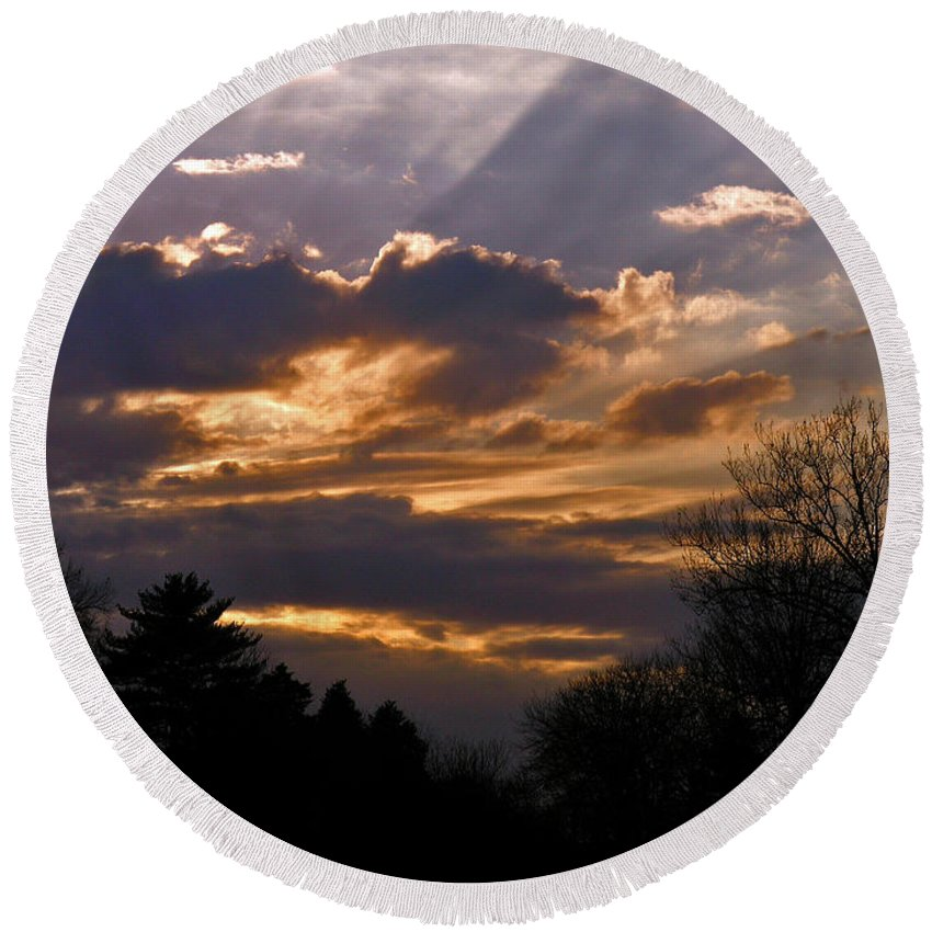 Cloud Round Beach Towel featuring the photograph Crown Cloud by Albert Stewart