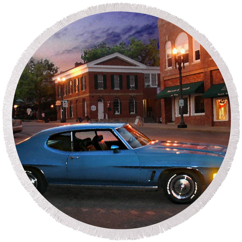 Landcape Round Beach Towel featuring the photograph Cruise Night In Liberty by Steve Karol