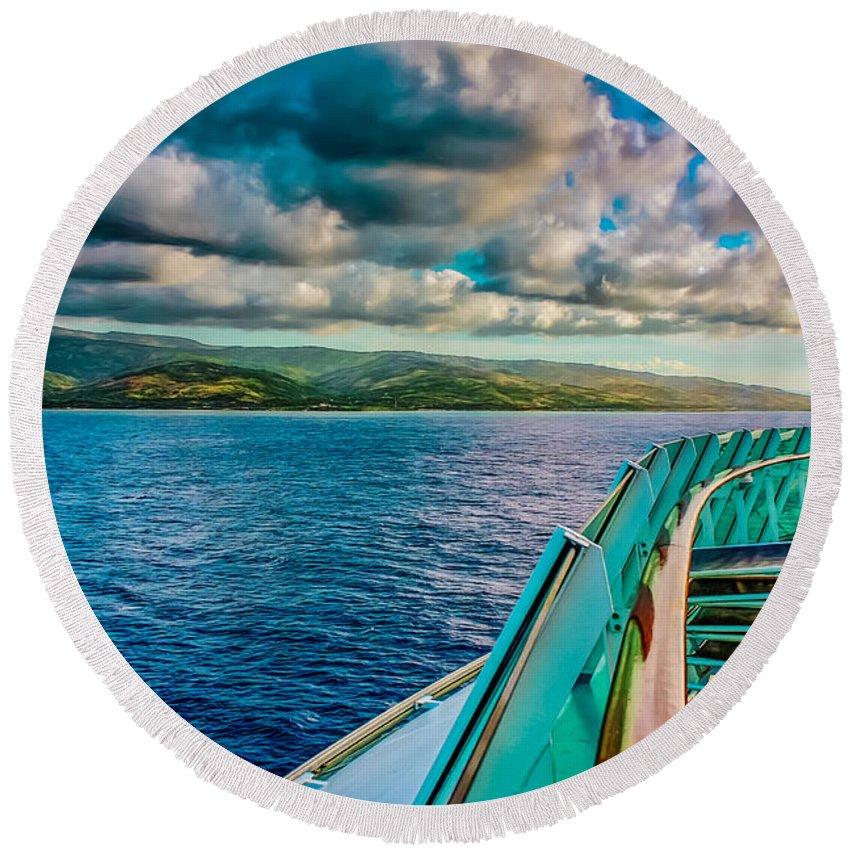 Landscape Round Beach Towel featuring the photograph Cruising Hispaniola by John M Bailey