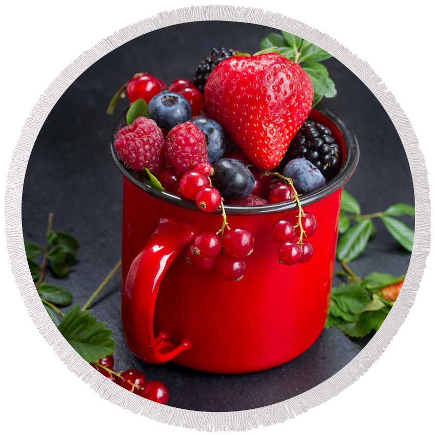 Currant Round Beach Towel featuring the photograph Cup Of Fresh Berries by Anastasy Yarmolovich