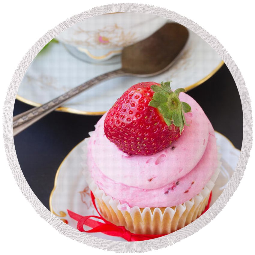 Cup-cake Round Beach Towel featuring the photograph Cupcake With Strawberry by Anastasy Yarmolovich