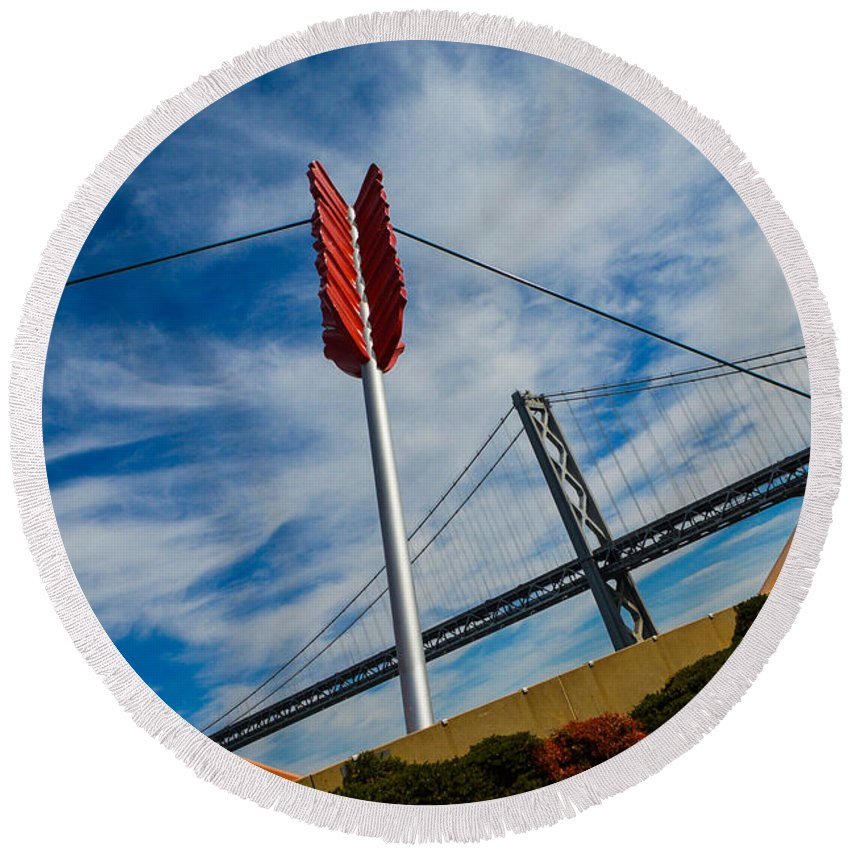 San Francisco Round Beach Towel featuring the photograph Cupids Bow And Arrow by Tommy Anderson