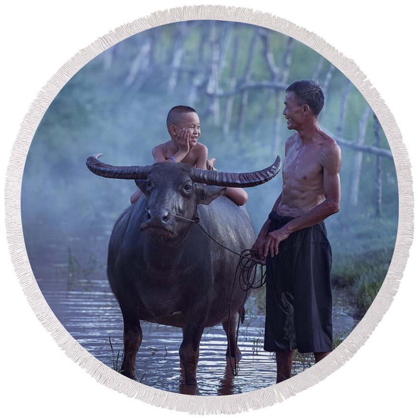 Son Round Beach Towel featuring the photograph Dad And Child Happy To Live In The Countryside,thailand, Vietnam by Somchai Sanvongchaiya