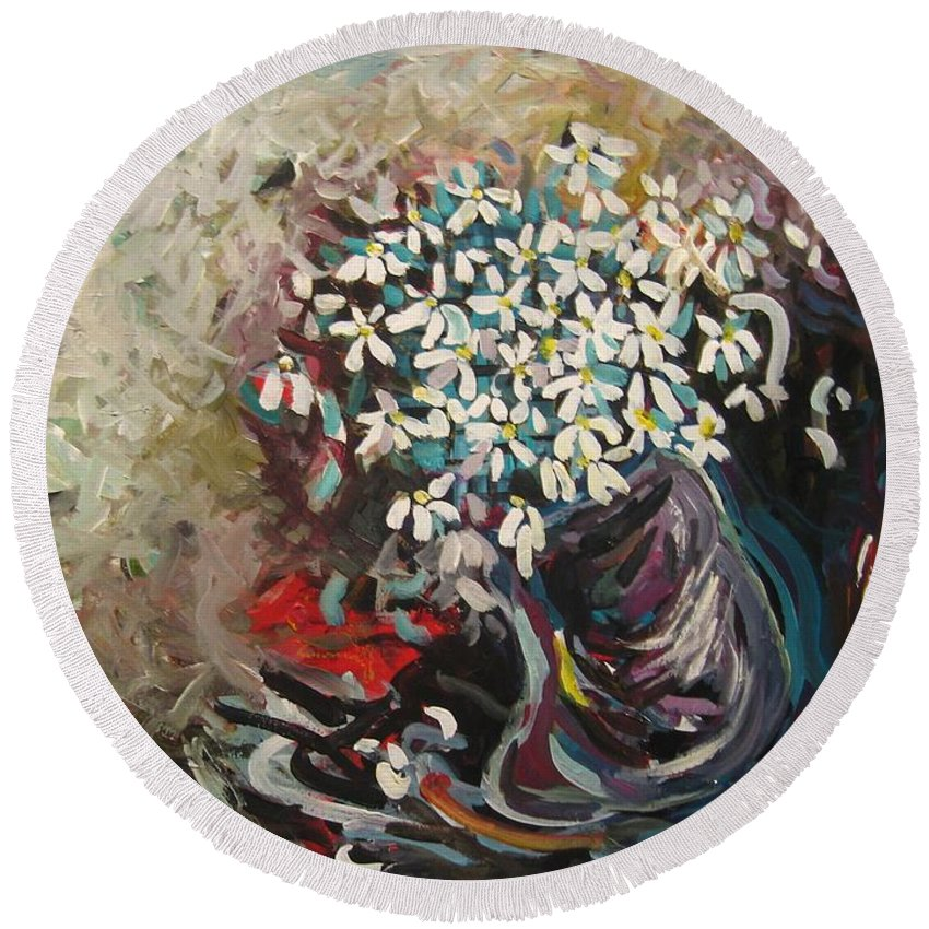 Daisy Paintings Round Beach Towel featuring the painting Daisy In Vase3 by Seon-Jeong Kim
