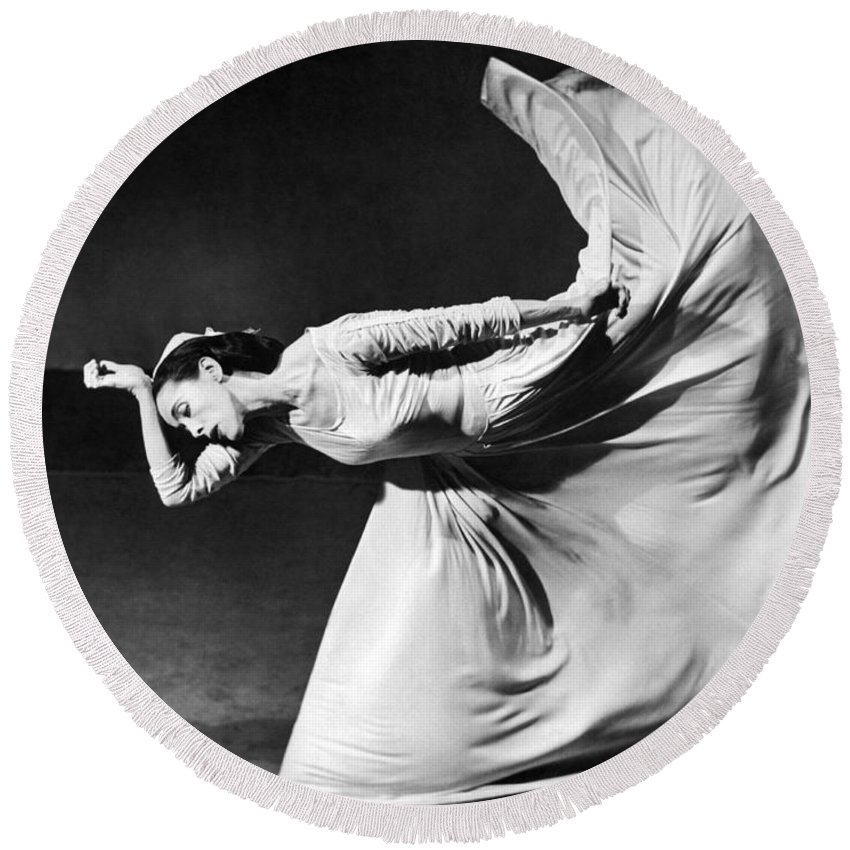 1 Person Round Beach Towel featuring the photograph Dancer Martha Graham by Underwood Archives