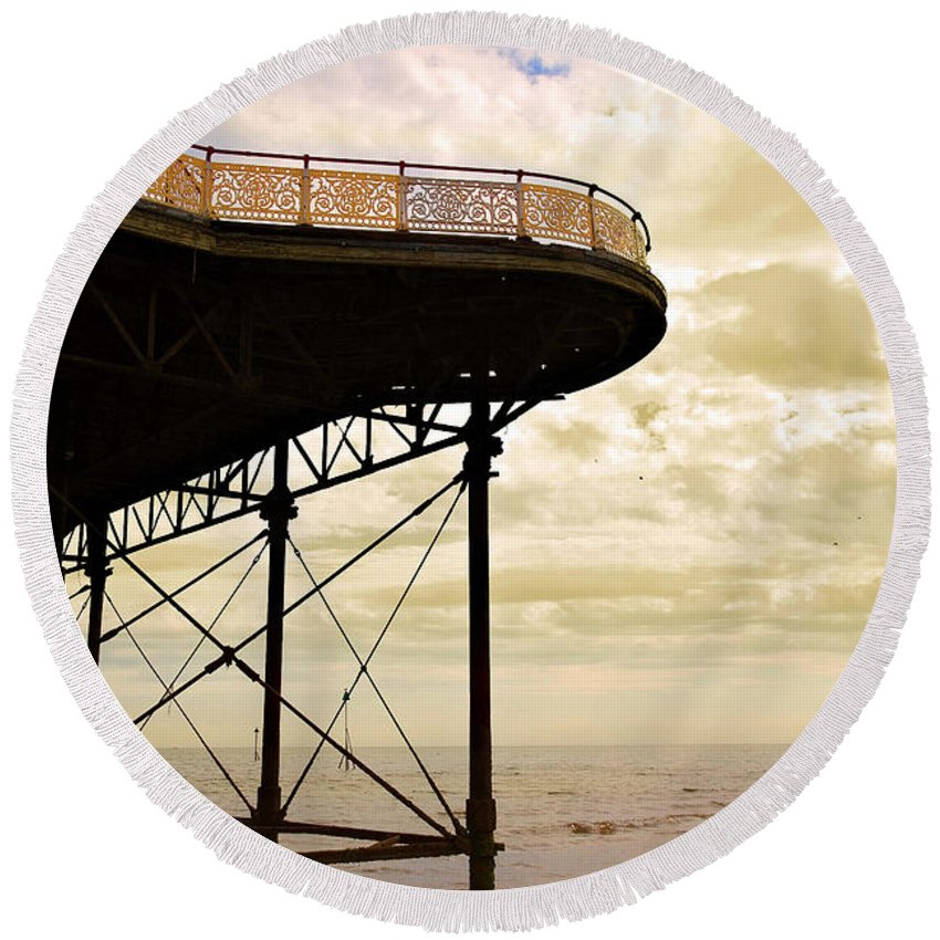Victoria Round Beach Towel featuring the photograph Dawn At Colwyn Bay Victoria Pier Conwy North Wales Uk by Mal Bray