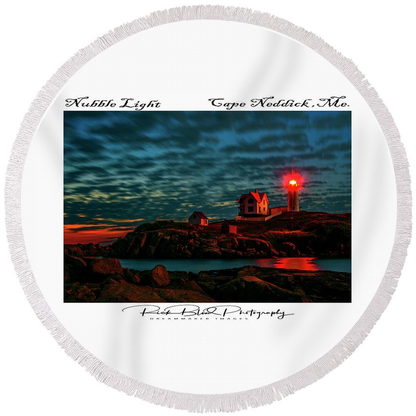 Maine Round Beach Towel featuring the photograph Dawn On The Rocks by Rick Blood