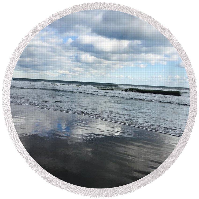 Ocean Sky Winter Seaside Round Beach Towel featuring the photograph Day Dreaming by Pamela J Bennett